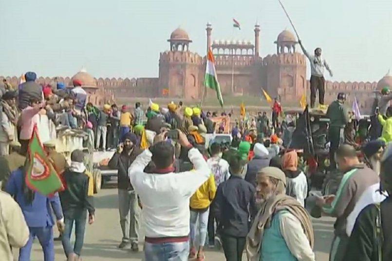 Delhi Police register case against farmers for violence