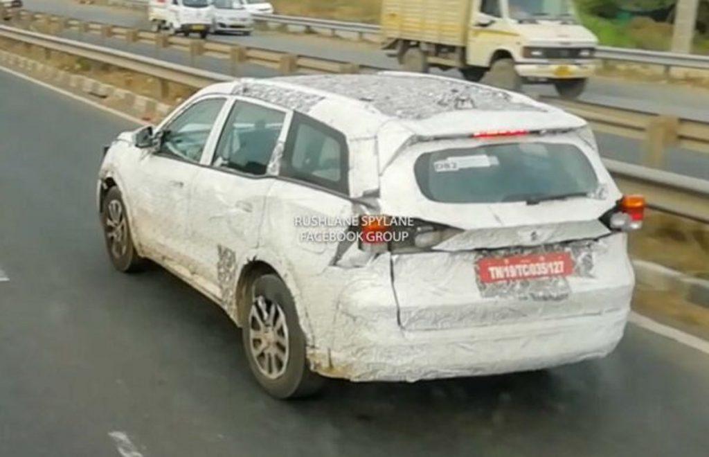 2021 Mahindra XUV500 spied testing