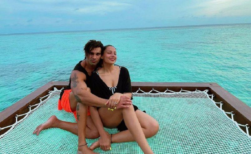 Bipasha Basu and Karan Singh Grover in Maldives