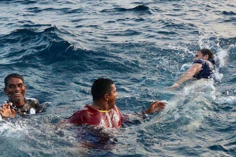 Rahul Gandhi enjoys sea dive with Kerala fishermen