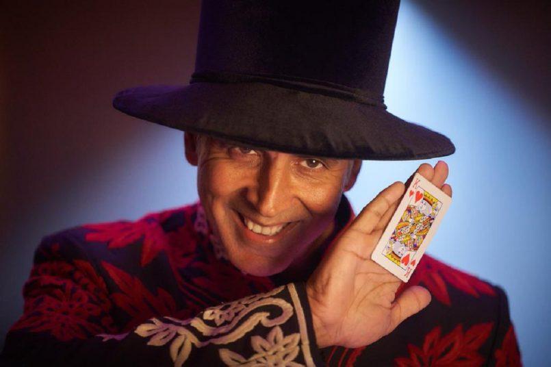 Akshay Kumar wraps Atrangi Re shoot, reveals his magician avatar