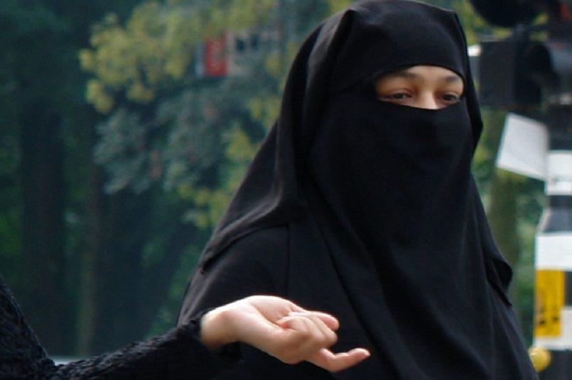 Sri Lanka Minister: We will ban 'Burqa' and shut down seminaries across country