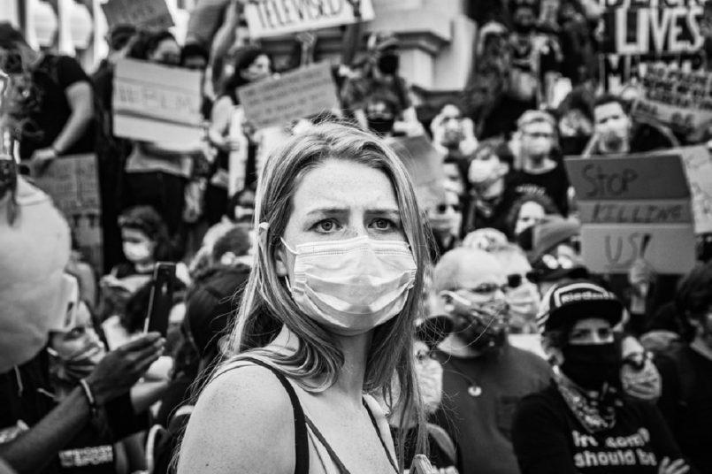 Covid-19: Anti-lockdown protests rattle London