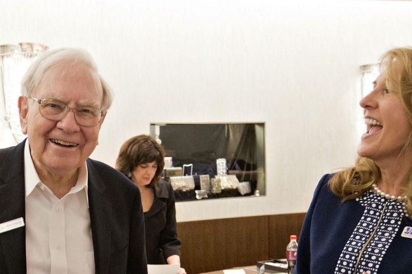 Warren Buffets wealth shoots above 100 billion dollars