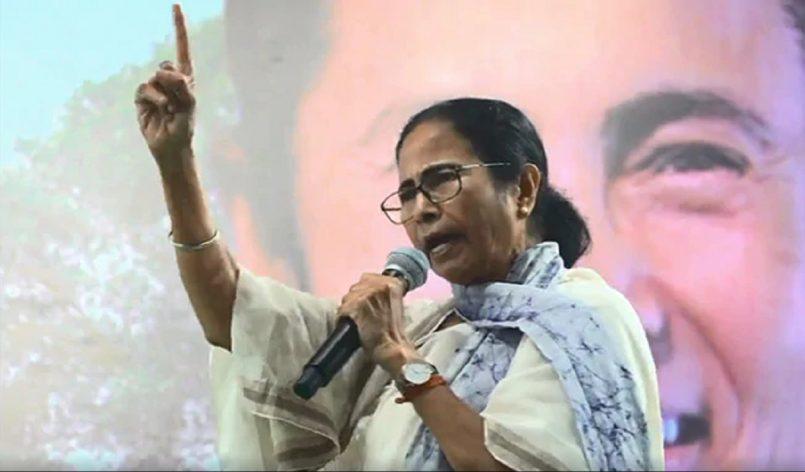 Mamata Banerjee: BJP needs political Oxygen now