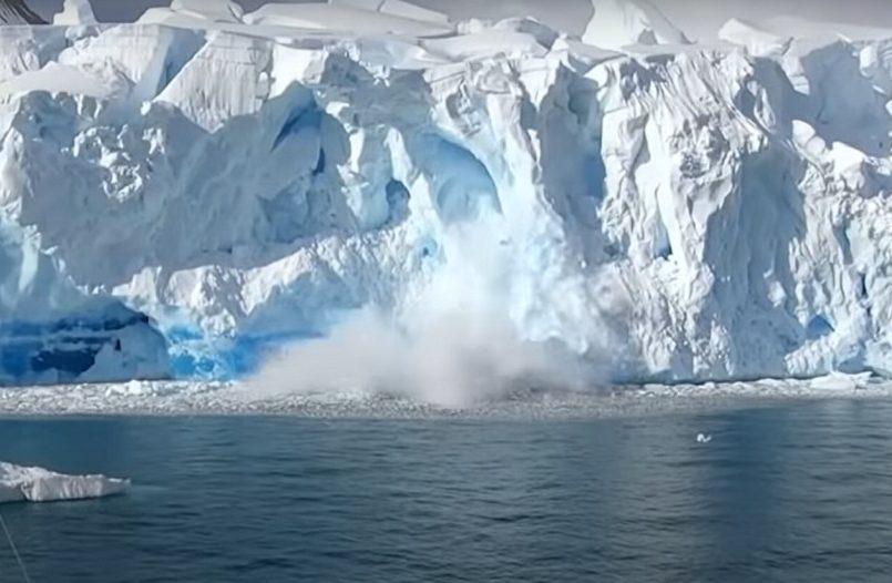 Pine Island Glacier's Ice Shelf is ripping apart