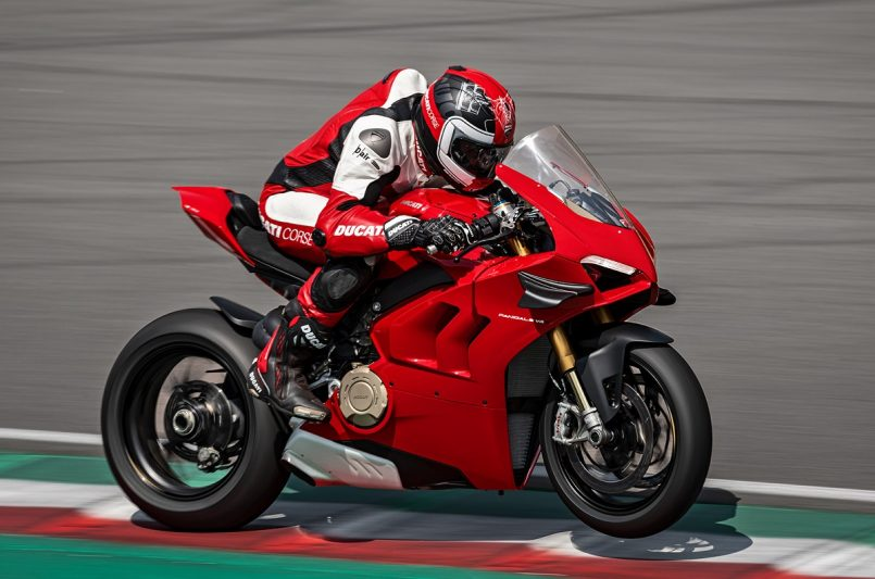 Ducati Panigale V4 BS6