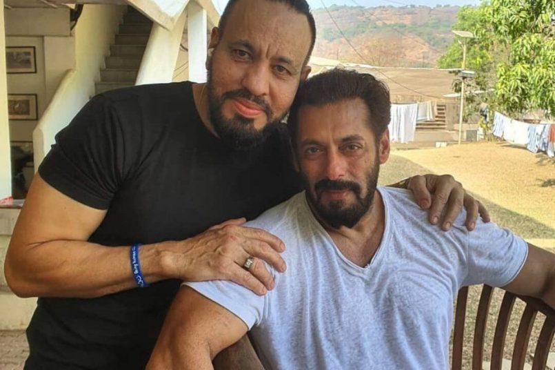 salman khan with bodyguard shera