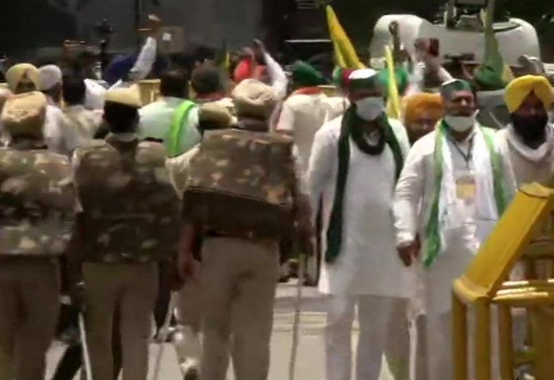 Farmers protest near Parliament, Houses adjourned for the day