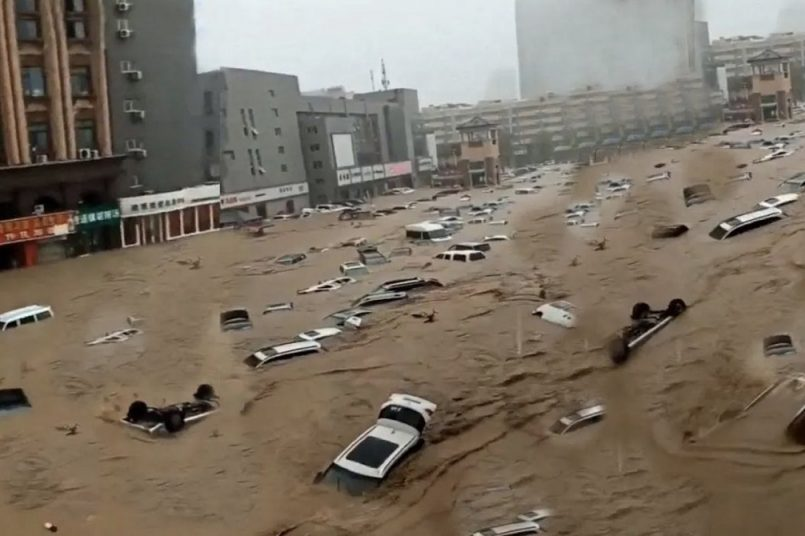 China records heaviest rains in 1000 years, several stranded in deluge