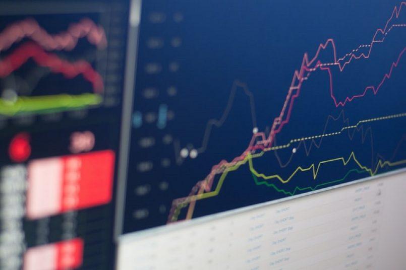 Bank Shares: HDFC Bank up, Axis Bank hit high consecutively