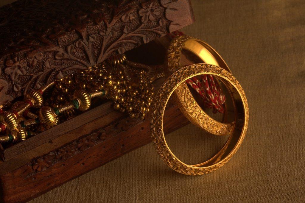Gold rates In Delhi, Mumbai And Kolkata: Check Per Gram Rates In Carats