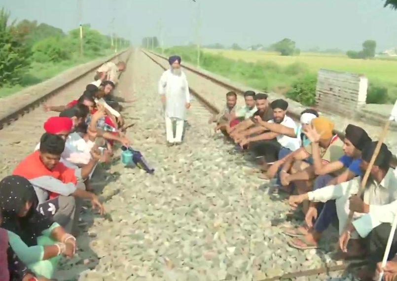 Bharat Bandh today: Farmers block highways; Delhi, Haryana traffic hit by strike